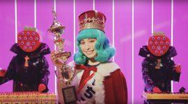 電気グルーヴ『いちご娘はひとりっ子』MV トミタ栞